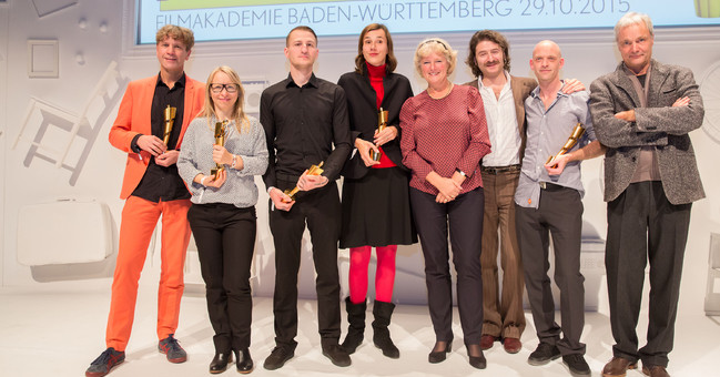 Gewinner*innen des Deutschen Kurzfilmpreises 2015 mit Staatsministerin Prof. Monika Grütters und Prof. Thomas Schadt (Geschäftsführer Filmakademie Baden-Württemberg)