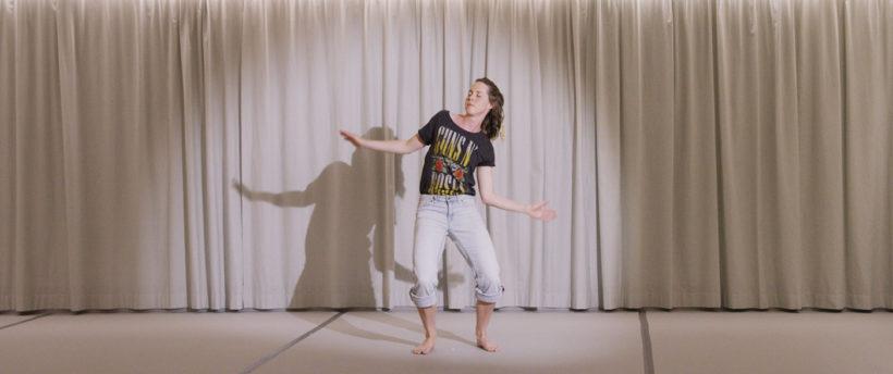 """. Preis + Kinopreis > Kiss bang bang/ Alexa Andrey & Erika Irmler (CH/DE) """"INSIDE DANCE"""""""
